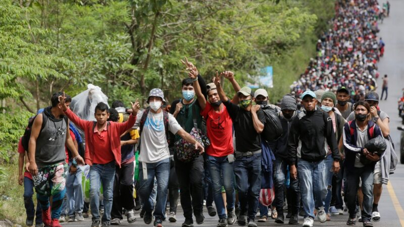 9000非法移民壓境 川普:邊境緊急狀態再延一年