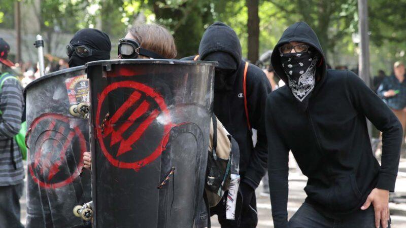 """自称""""铁杆左派""""在佛州议会煽动暴力被捕"""