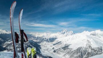 被疫情推火的新兴运动 登山滑雪日渐风行