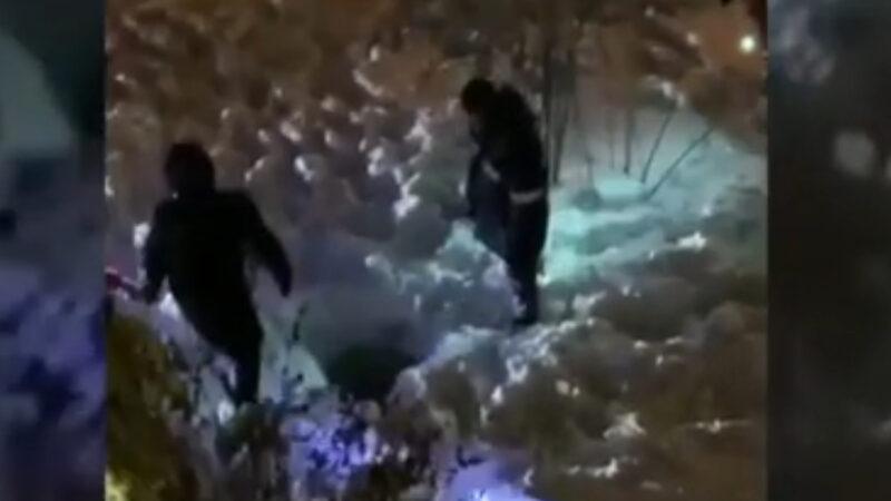 -20℃受困污水坑8小时 俄小女童奇迹获救