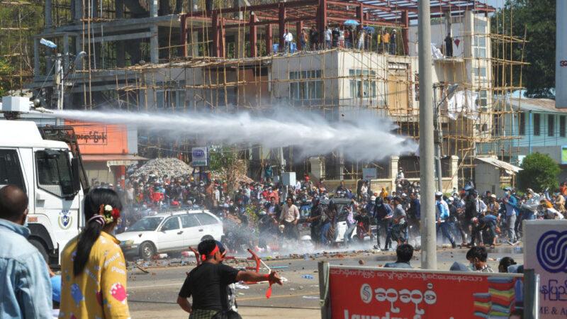 傳27名抗議者被捕 孤立緬甸軍政府 新西蘭開第一槍