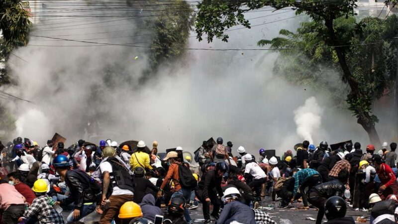 緬甸血腥鎮壓畫面震驚國際 多名報導記者被捕(視頻)