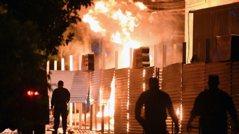 防疫不力 巴拉圭民众要求总统下台爆冲突