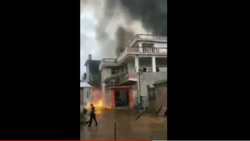 人工降雨飞机坠毁江西损民宅 机上5人遇难(视频)