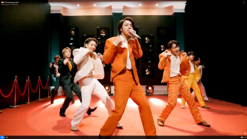 BTS摘2021告示牌音乐奖四奖 刷新自身纪录