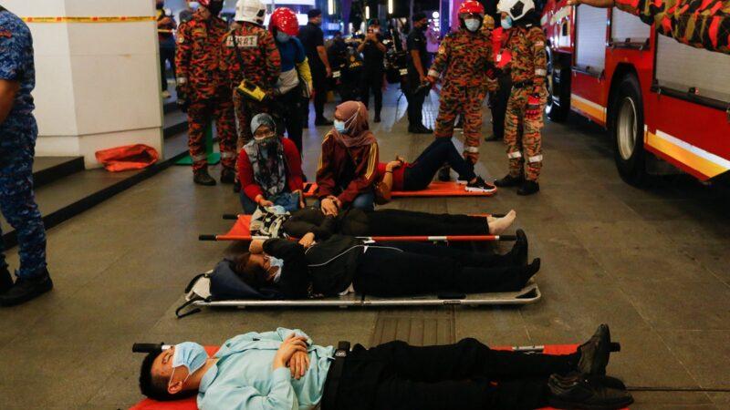 马来西亚轻轨列车相撞 213人轻重伤(组图/视频)