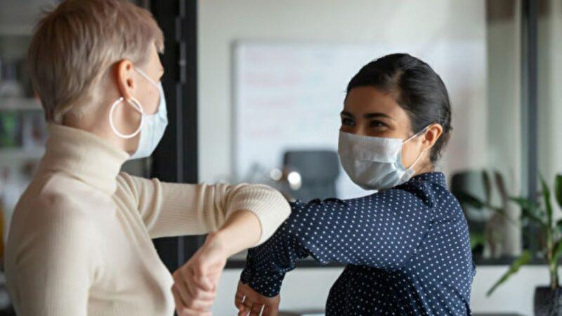 哪种口罩更能挡病毒前FDA官员荐N95