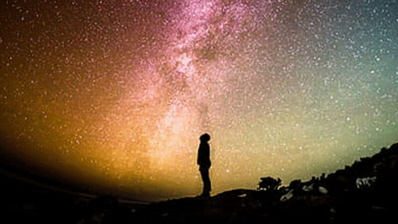 尘埃之上如何领略宇宙的宏光