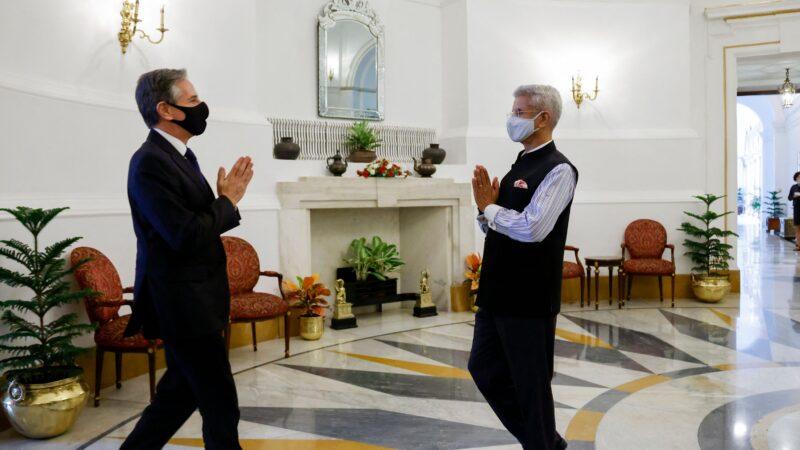 布林肯会晤达赖代表 王毅接见塔利班