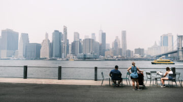 美西野火濃煙飄到紐約 空氣指數已恢復正常