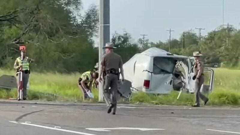 疑超载非法移民 德州厢型车失控翻覆10死20伤