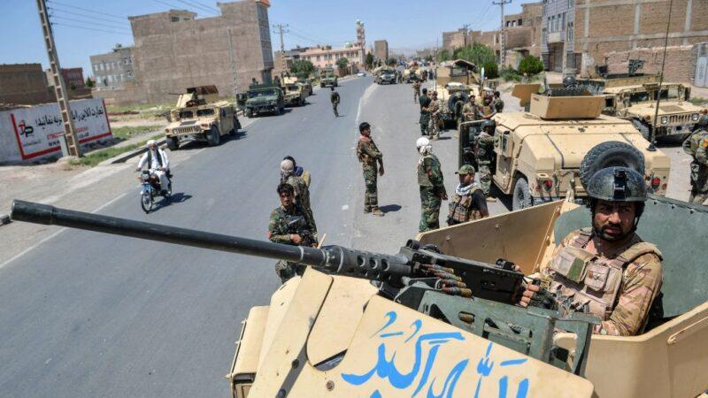塔利班攻势不断 阿富汗南部机场遭火箭击中