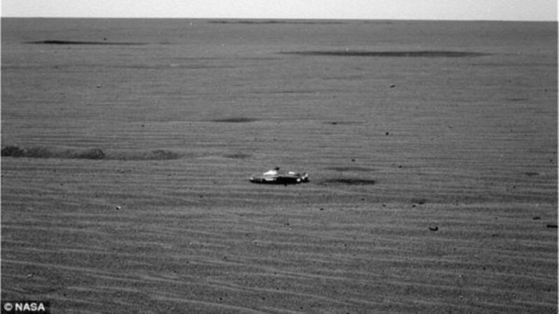 NASA探测器竟然在火星上拍到了UFO?!