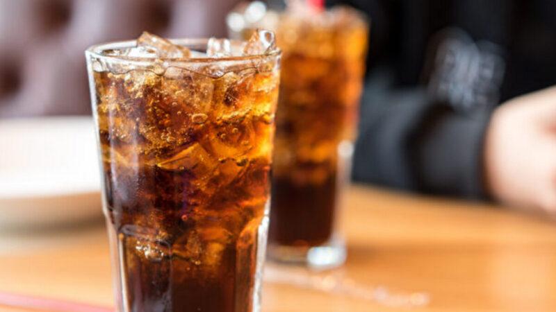 可乐当水喝小心糖尿病!哈佛还点名3种饮料