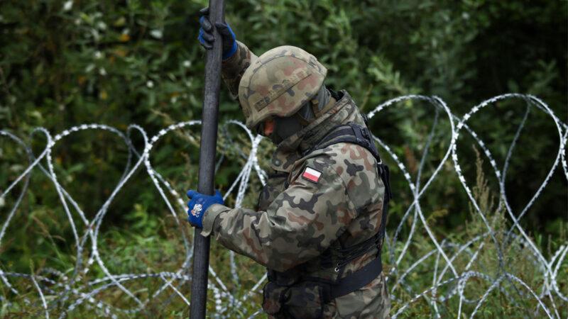 白俄罗斯将难民武器化 波兰再增派500士兵