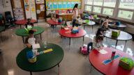 洛聯合學區下達疫苗令 涉及60萬學童