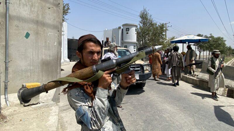 塔利班內部組閣談判爆發槍戰 溫和派落敗