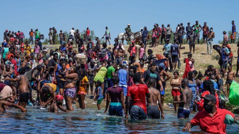 美国土安全部长:1.2万海地非法移民被释放入境