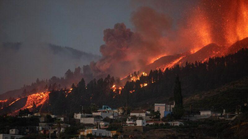 西班牙火山噴發破壞力十足 撤離六千人航班取消(視頻)
