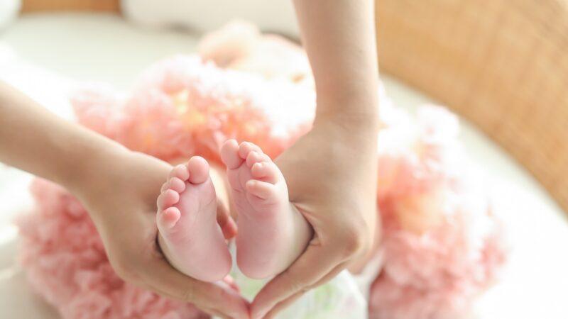 父母一个决定 两女婴被抱错23年后幸福现况曝光