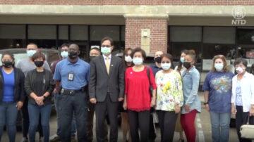 休斯頓警察華語班參訪中國城練習中文
