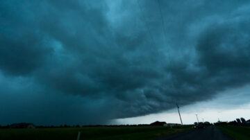 本週末強風暴來襲 美國中部受嚴重威脅