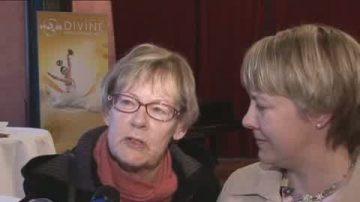 神韻內涵打動瑞典母女