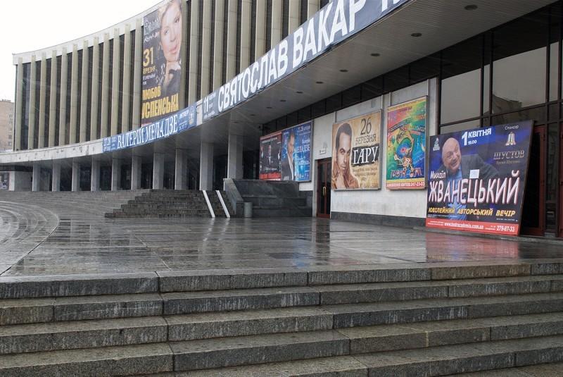 中共以「無期限經援」脅迫烏克蘭拒絕神韻