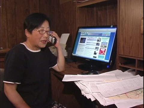 【中國禁聞】美華裔婦女用電話「勸退」萬人