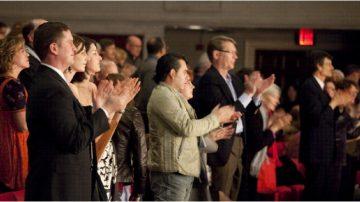 組圖:神韻羅利市巡演場場滿座 觀眾震撼(二)