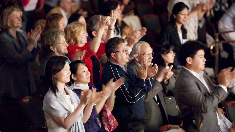 组图:神韵打动新泽西州观众