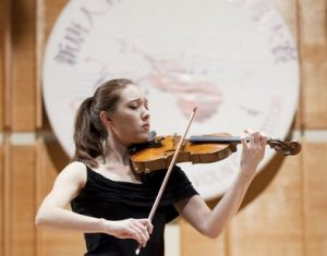 新唐人小提琴大賽複賽精彩紛呈
