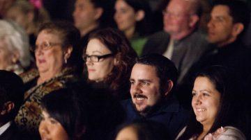 达拉斯观众:观看神韵演出终生难忘