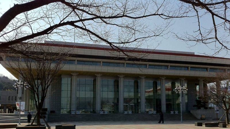韓釜山法院正義裁定神韻首演如期  中共干擾未遂