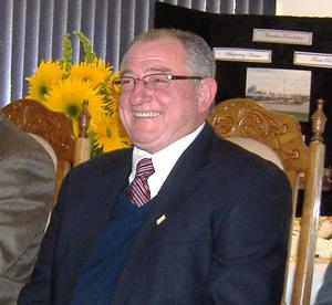 加拿大斯托尼珀兰市长肯.莱姆克祝贺神韵