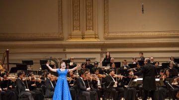 神韻交響樂太精彩  觀眾無畏颶風  久不離席