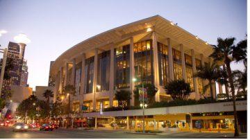 【今日点击】神韵洛杉矶场场爆满 好莱坞明星荟萃