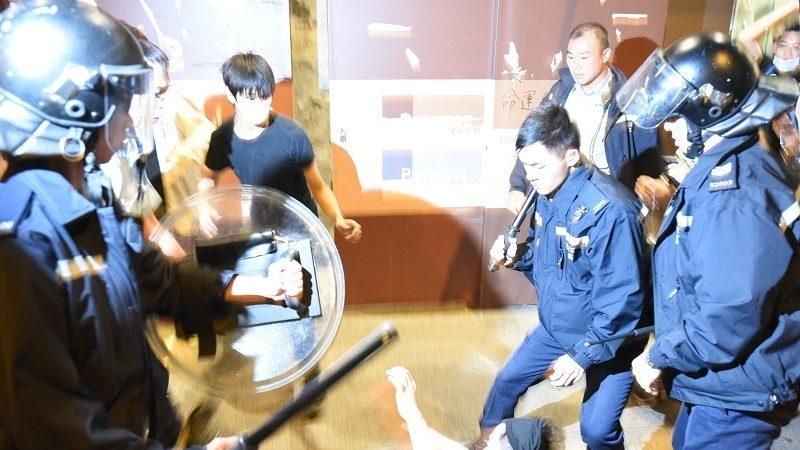 海川:从香港警察滥用私刑说起