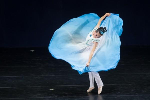 中国古典舞由内而跳 林融以心奔月