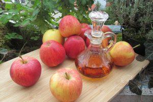 自製簡單又強效蘋果醋!才喝3天瘦2斤,斑淡臉白、水腫也消了!