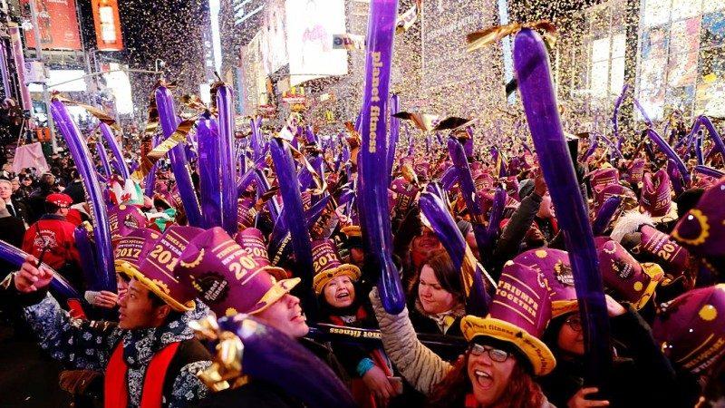 歡聲雷動 紐約水晶球吸引200萬民眾倒數迎新年(視頻)