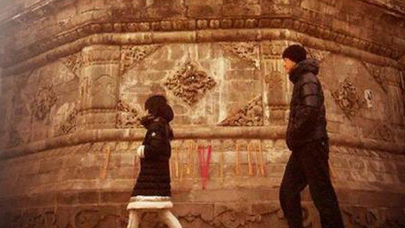 李亞鵬新年攜女出遊 10歲李嫣被讚像王菲