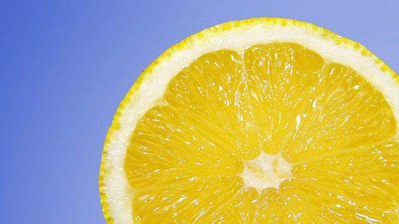 消体臭、止打嗝、牙龈不发炎!超神奇柠檬用法8种