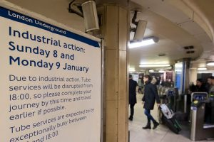 倫敦地鐵罷工24小時 上班族苦不堪言