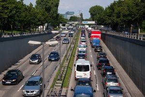 多伦多蒙特利尔名列加拿大最差交通 每年耽误超千万小时