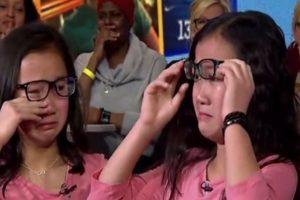陆姐妹花分别被美国家庭领养 10年后重逢场面催泪(视频)