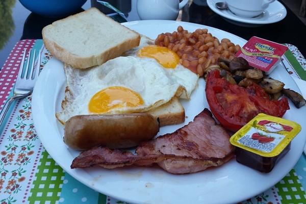美研究:连吃2天英式早餐 心脏病风险增加
