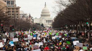 禁7國入境引混亂 白宮:持綠卡者不受禁令影響