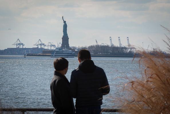 大陸女性到了美國 為什麼就不願回國了?