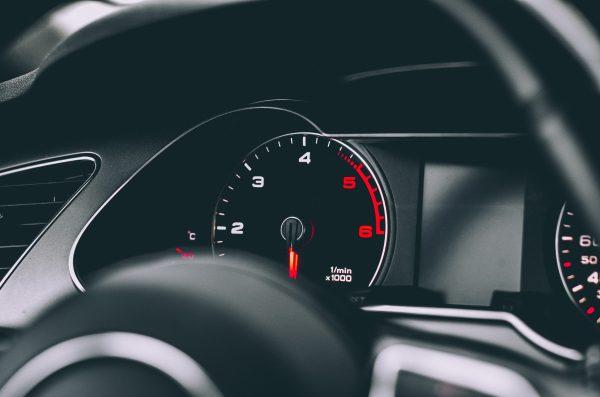 天冷開車別忘了檢查這些地方 避免意外發生